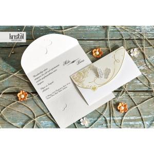 Invitatie de nunta tip plic florala aurie cu fluture 30042 KRISTAL