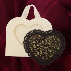 Invitatie de nunta PREMIUM din lemn inima cu dantela 26001 TBZ