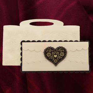 Invitatie de nunta PREMIUM din lemn inima cu dantela 26002 TBZ