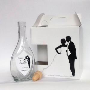 Pachet marturii miri Cutie sticla si prajituri + Sticla cu eticheta 03